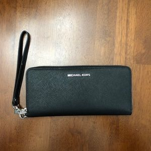 Michael Kors wallet.  Used great condition. Black